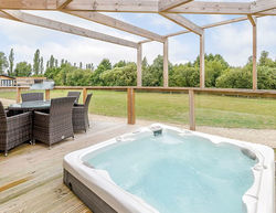 Cherry Bird Country Park hot tubs