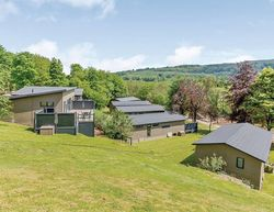 Aysgarth Lodges Setting