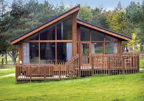 Cropton lodges holiday lodge park in north yorkshire for Log cabins for sale north yorkshire