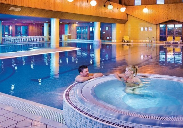 Crowhurst park lodges holiday lodge park in east sussex - Holiday lodges with swimming pools ...