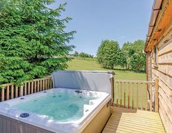Hazelhurst Lodges Foxglove Lodge Hot Tub