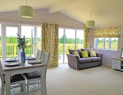 Kingswood Golf Lodges Lounge Living