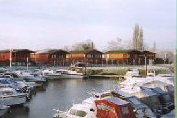Picture of Little Venice Country Park & Marina, Kent