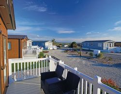 Looe Coastal Retreat Coral Cove Deluxe Setting