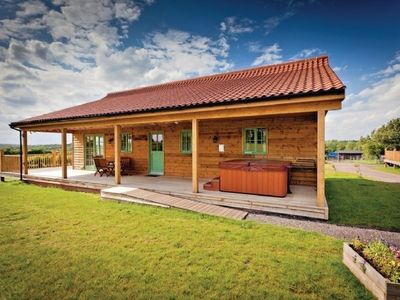 kingfisher lodge at oak farm lodges