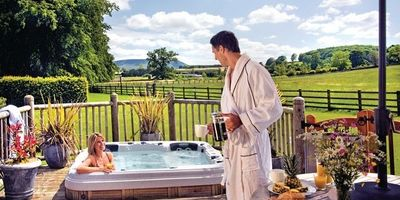 Ribblesdale Lodges with hot tubs in Yorkshire Dales and pet friendly