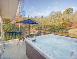 Teviot View Lodge Hot Tub