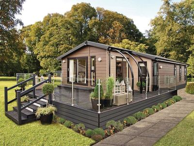 The Retreat. Lodges with hot tubs in Devon
